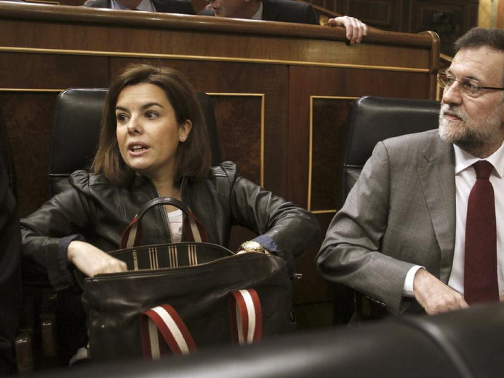 Rajoy y Sáenz de Santamaría, al inicio de la sesión de control al Ejecutivo este miércoles.