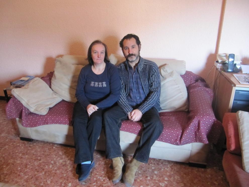 Montse Ortún y José Javier Cañizares, en su casa