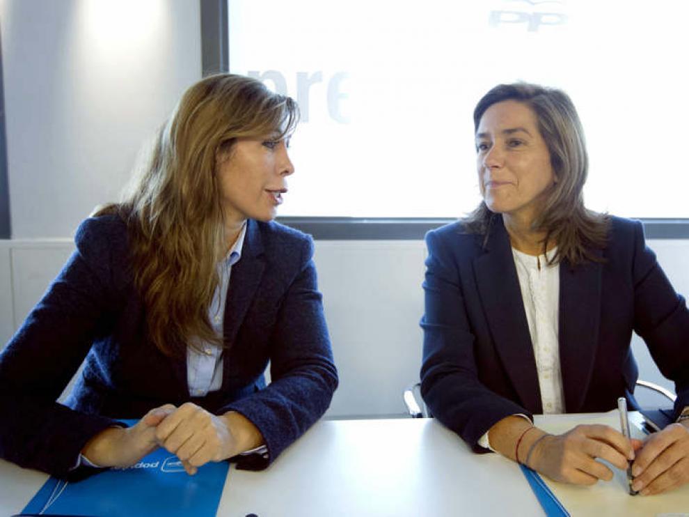 Ana Mato, a la derecha, con Alicia Sánchez Camacho