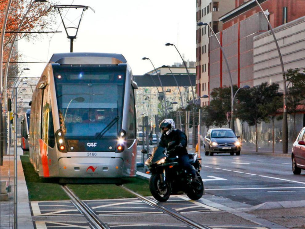 El tranvía circula por la segunda fase