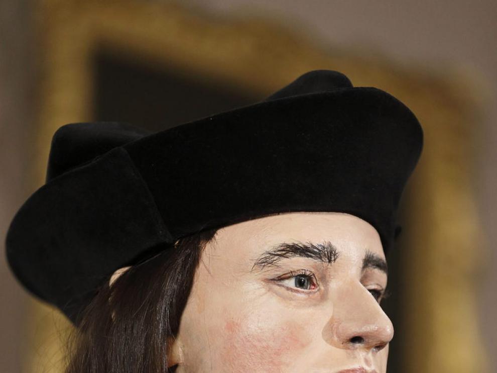Molde en plástico realizado a partir de una reconstrucción digital del rostro del monarca