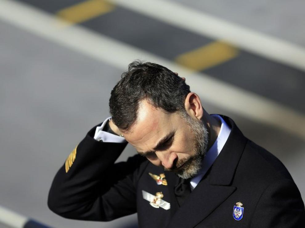 Don Felipe despide al 'Príncipe de Asturias'