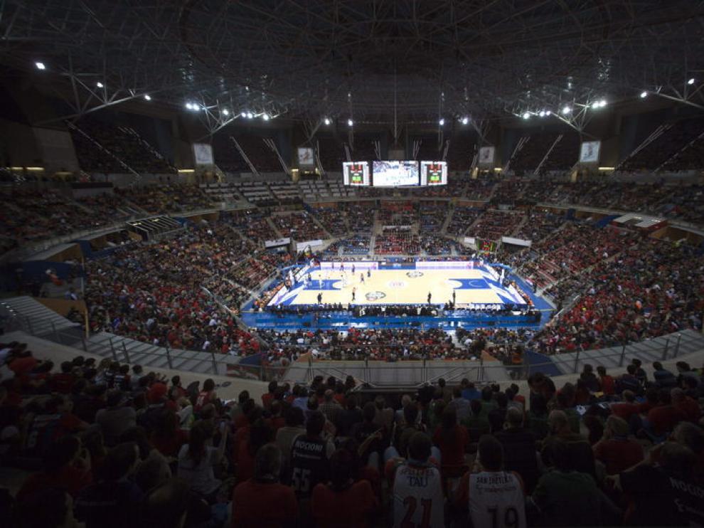 El Buesa Arena, hasta la bandera