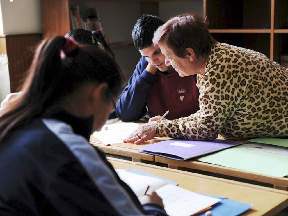 La escuela de alfabetización de Cáritas, en Teruel