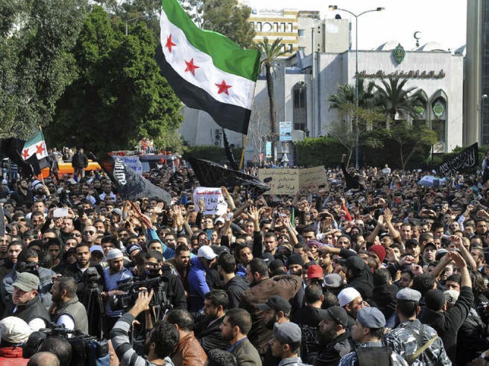 Protesta en El Líbano en apoyo al pueblo sirio