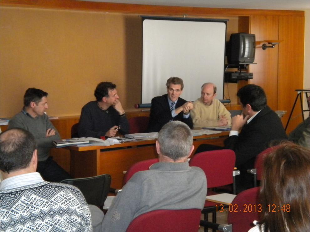 Imagen de la reunión mantenida en Jaca este miércoles