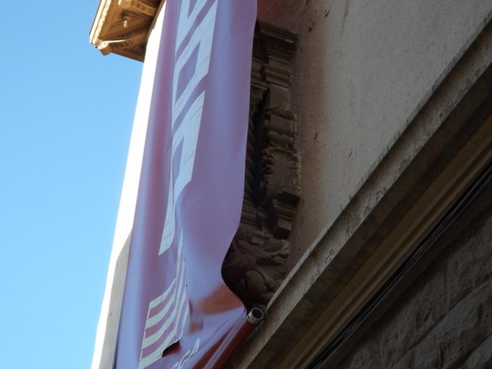 Aún se puede ver la hornacina de la Virgen del Pilar en la sede de CCOO