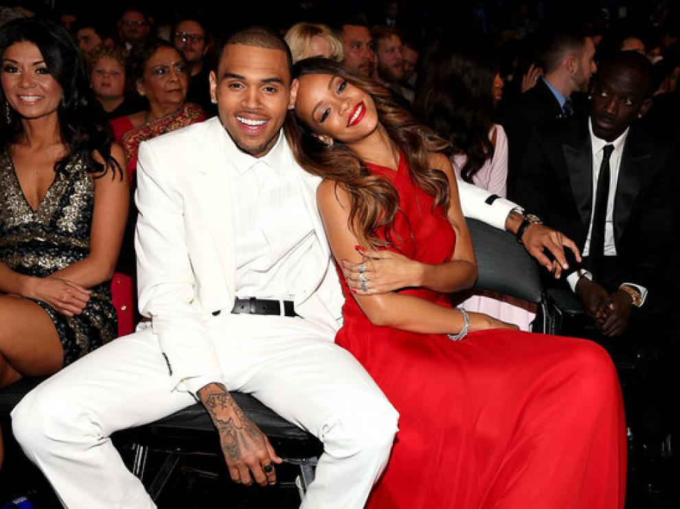 La pareja se mostraba feliz en los premios Grammy