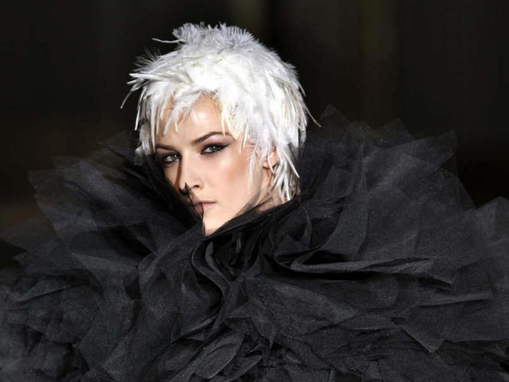 Los diseños de Andrés Sarda inauguran la Semana de la Moda de Madrid