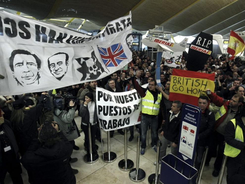 8.000 empleados de Iberia se concentran en Barajas