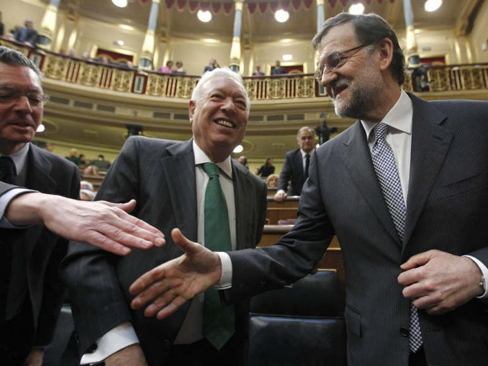 José Ignacio Wert y Mariano Rajoy en el debate sobre el estado de la Nación