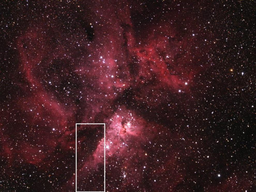 Foto cedida por la NASA donde se ve un asteroide.