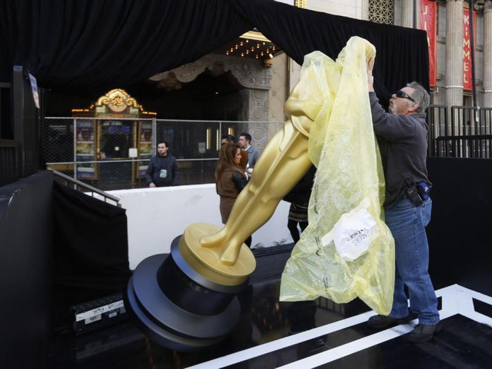 El menú ya está elegido y la alfombra desplegada para mostrar el camino al Teatro Dolby.