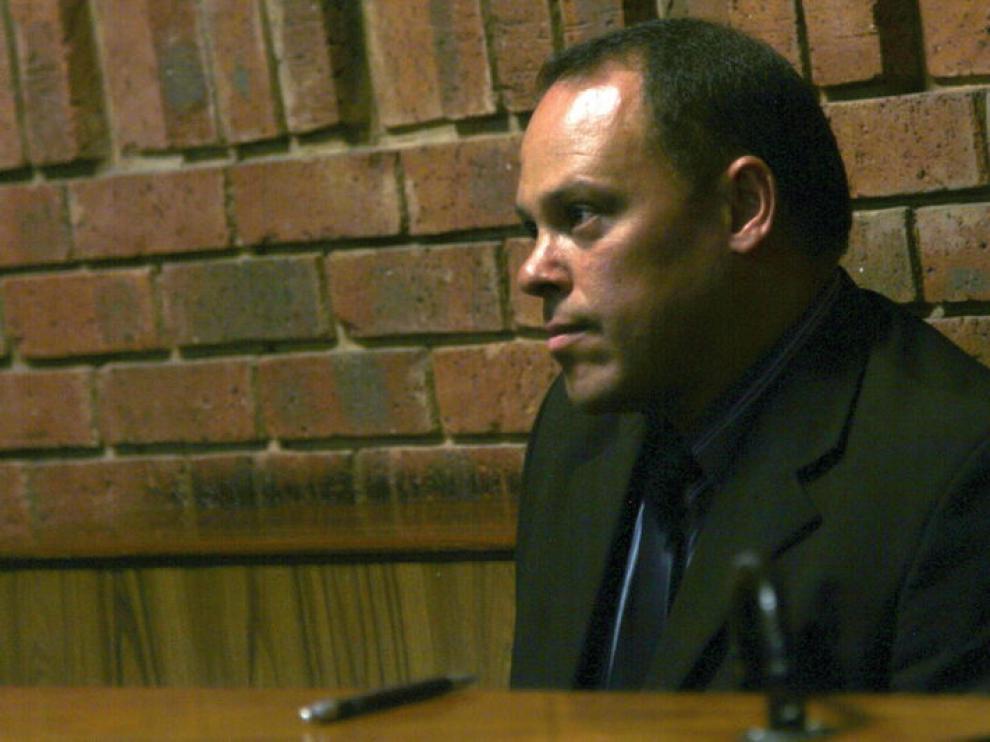 El detective Hilton Botha, cesado del caso Pistorius