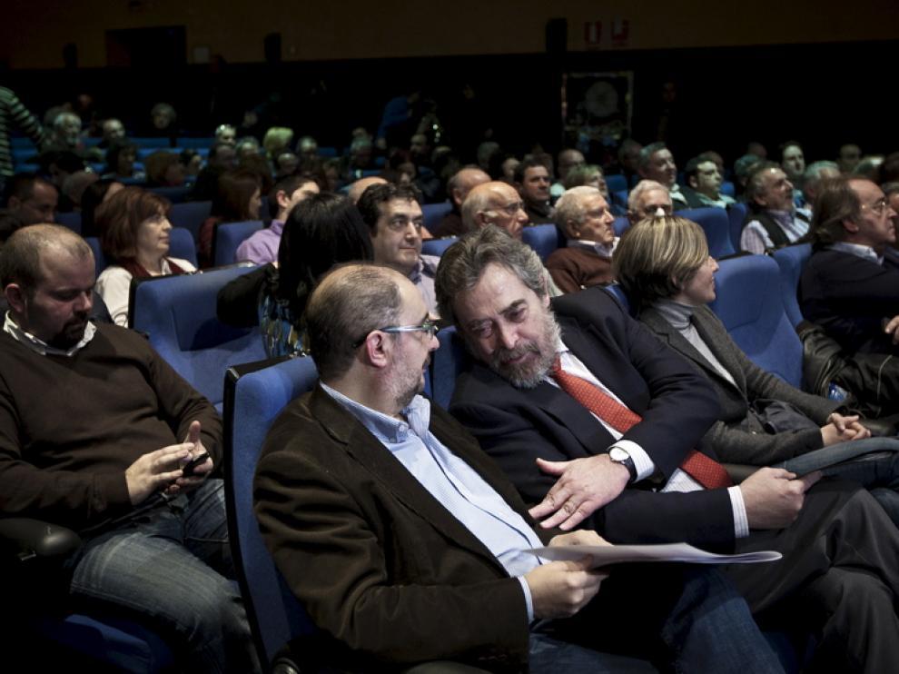 500 alcaldes socialistas aragoneses analizaron en Zaragoza la reforma de la ley de Administración Local.