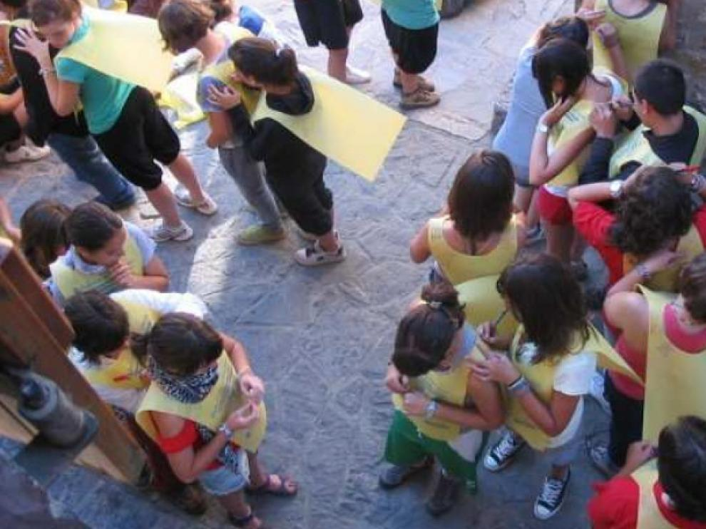 Imagen de archivo de estudiantes en Búbal