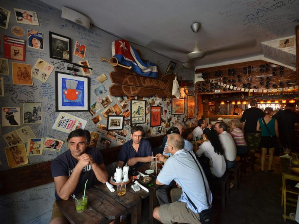 Un bar de La Habana (Archivo)