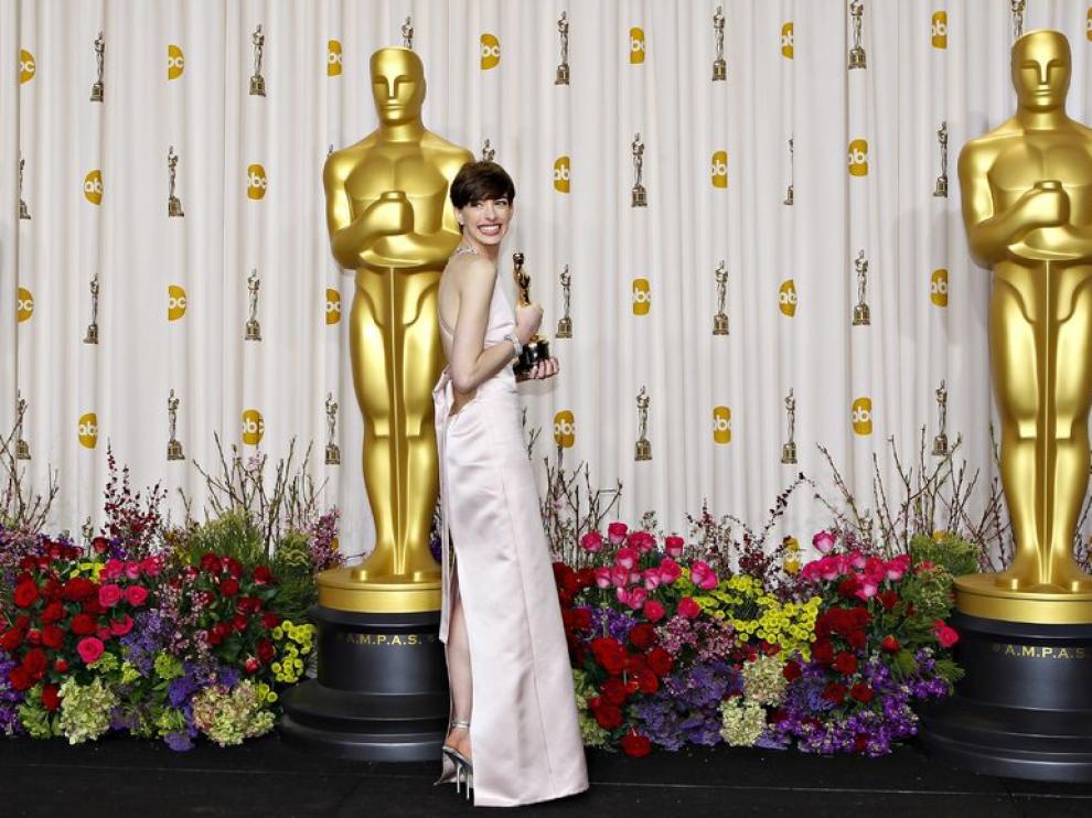 Anne Hathaway en la gala de los Oscar