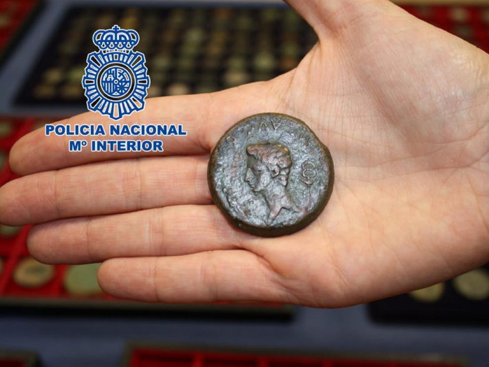 Foto de la moneda facilitada por la Policía Nacional