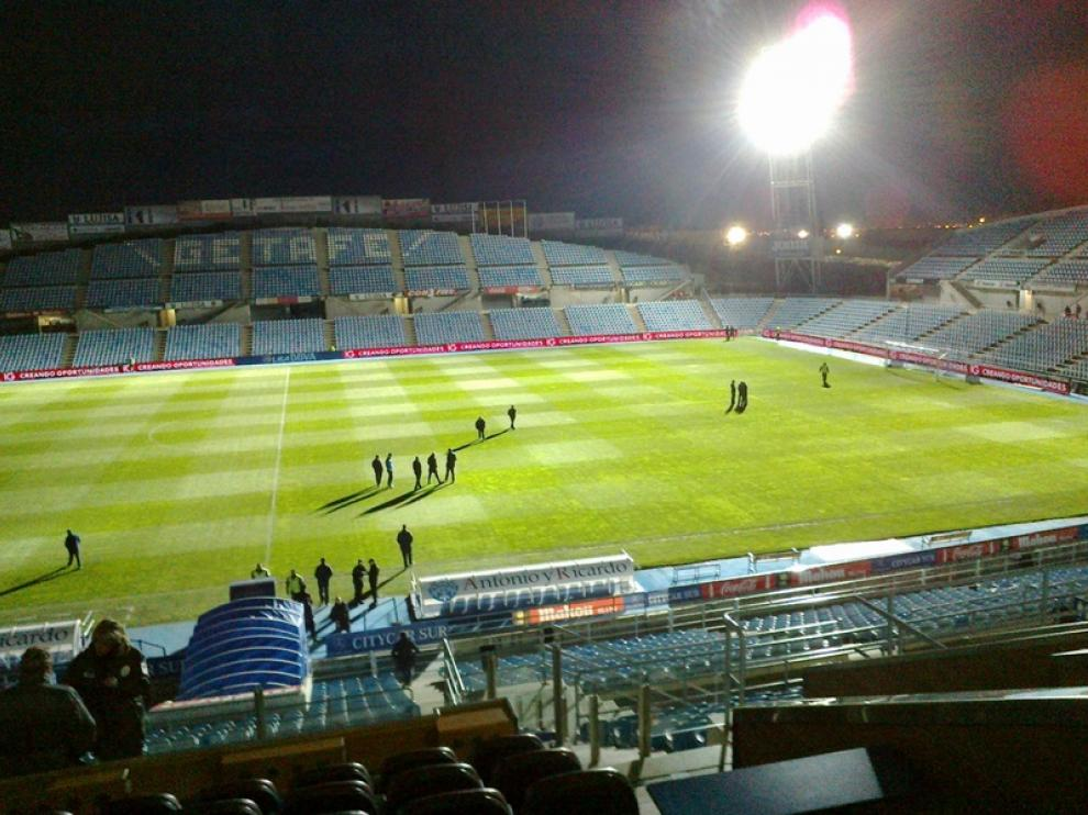 Coliseum Alfonso Pérez, en penumbra, a las 19.50, a la llegada del Real Zaragoza