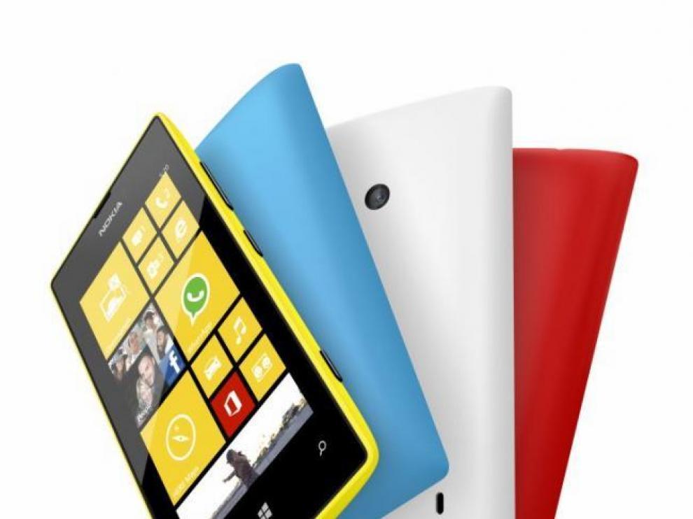 Lumia 520 Pantalla de 4 pulgadas que se puede usar con guantes, 5 Mpx, doble núcleo y 8GB por unos increíbles 139 euros.