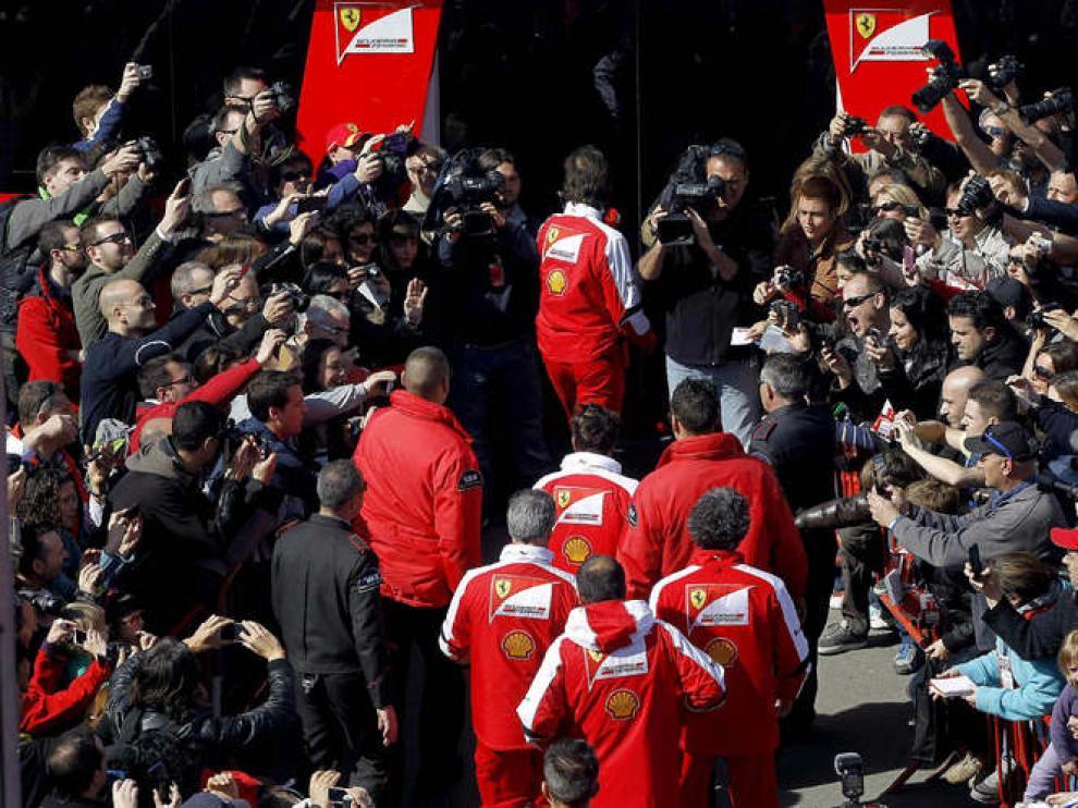 Alonso, aclamado por los aficionados