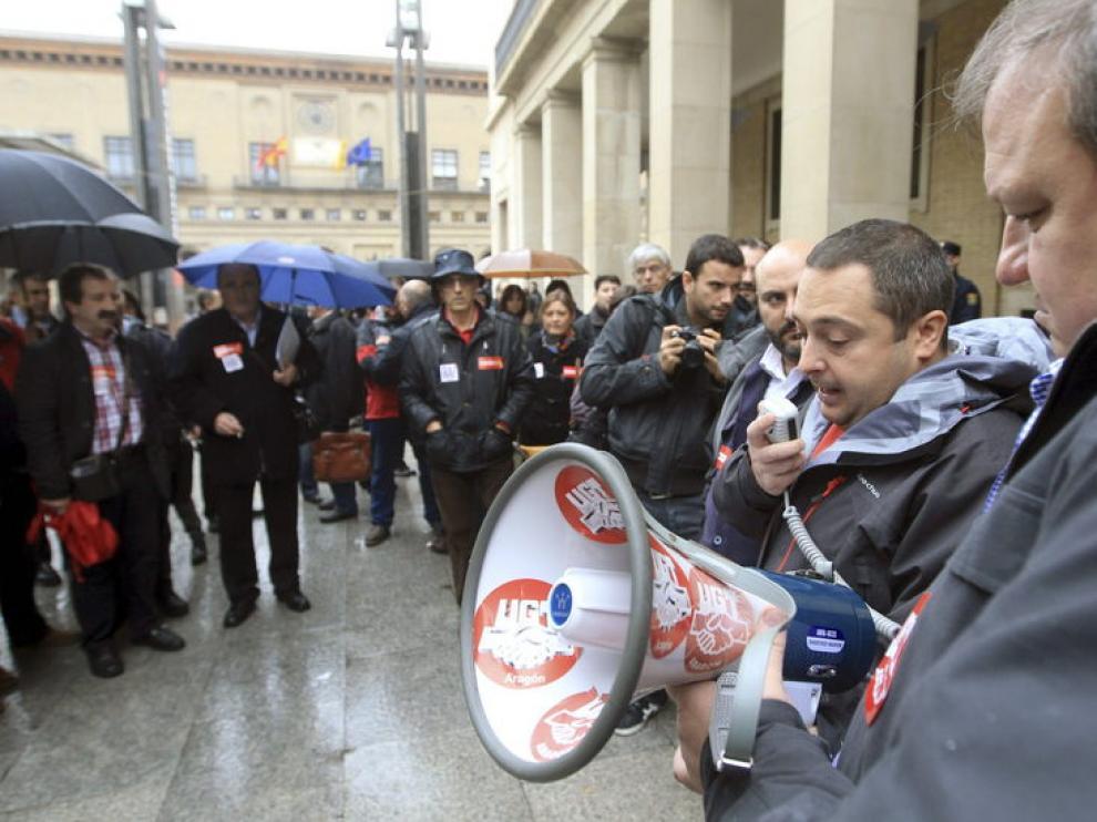 Una protesta contra el paro de la Cumbre Social Aragonesa