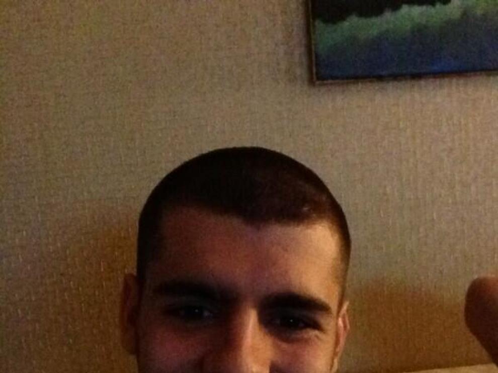 El jugador se ha cortado el pelo por una promesa a los niños del hospital Niño Jesús.