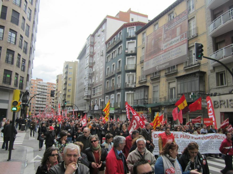 La manifestación ha recorrido las calles del Casco hasta la plaza del Pilar