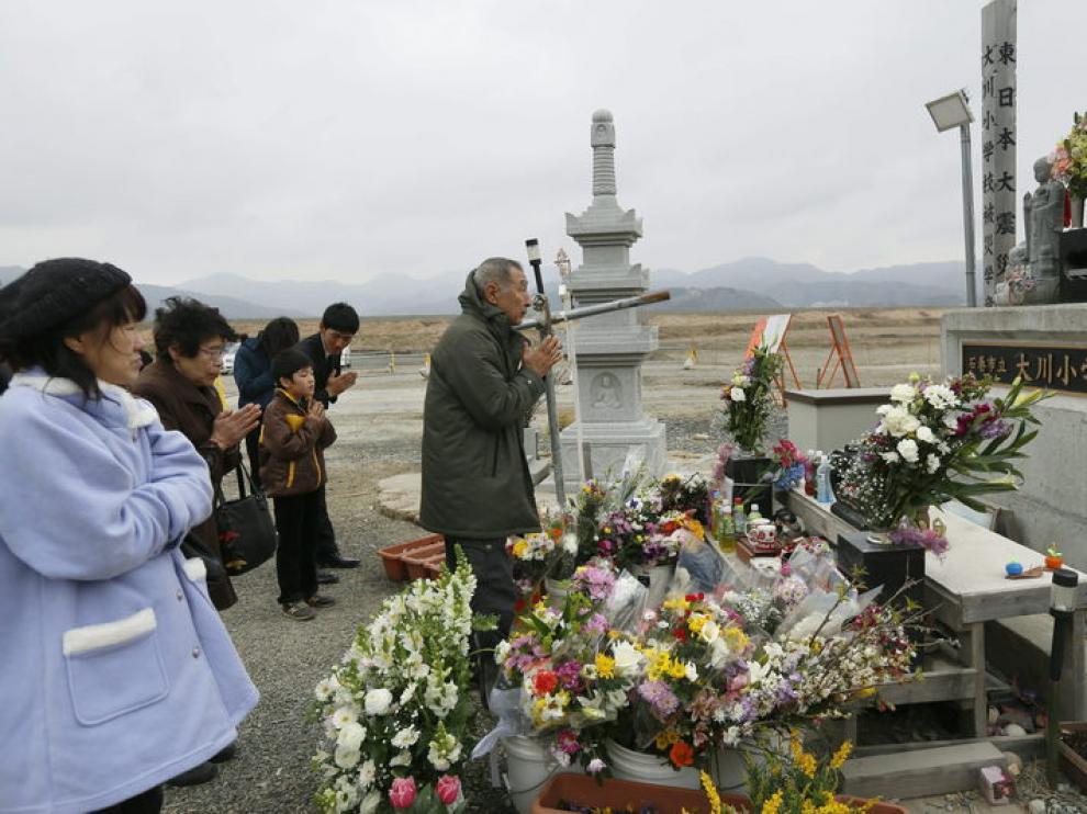Oraciones por los fallecidos en el terremoto de 2011