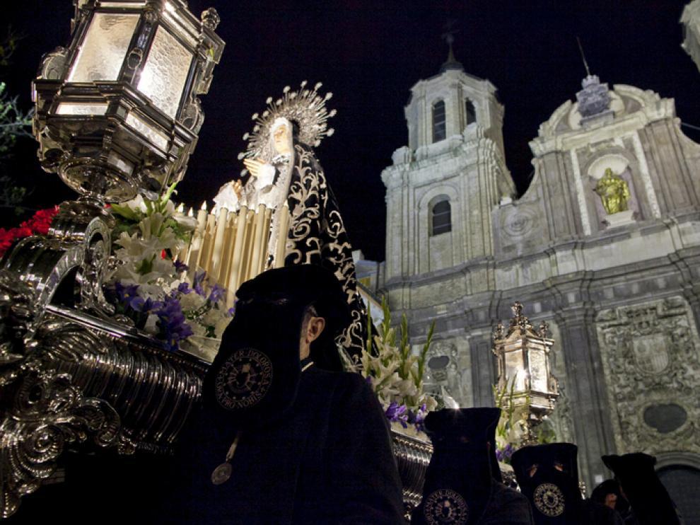 Salida de la iglesia San Cayetano de Zaragoza