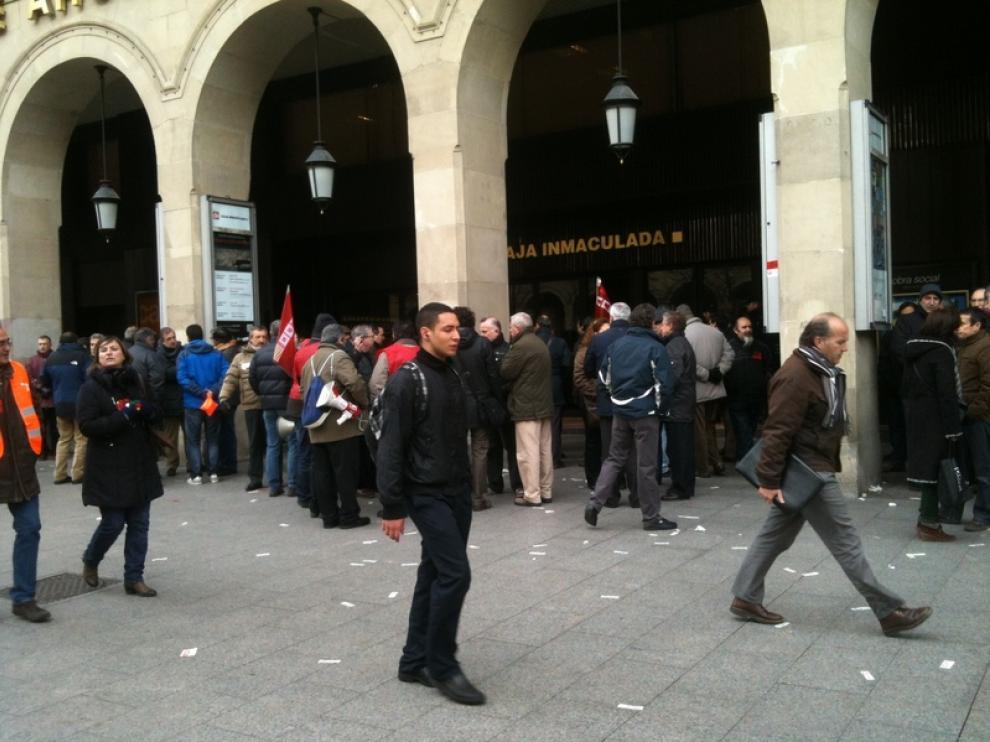Protestas esta mañana frente a la sucursal de Independencia