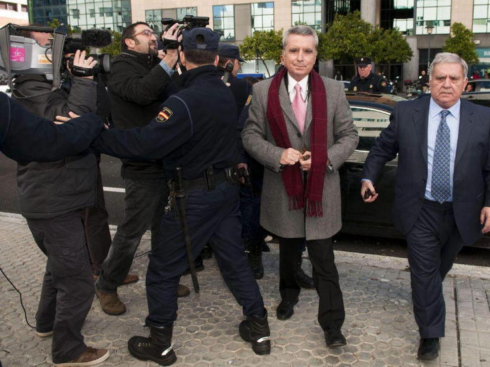 Ortega Cano, a su llegada este jueves a los juzgados.
