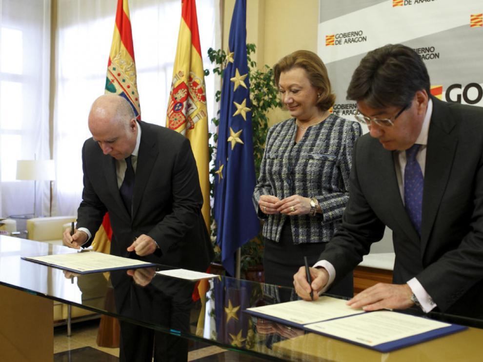Luisa Fernanda Rudi ha presidido la firma del protocolo