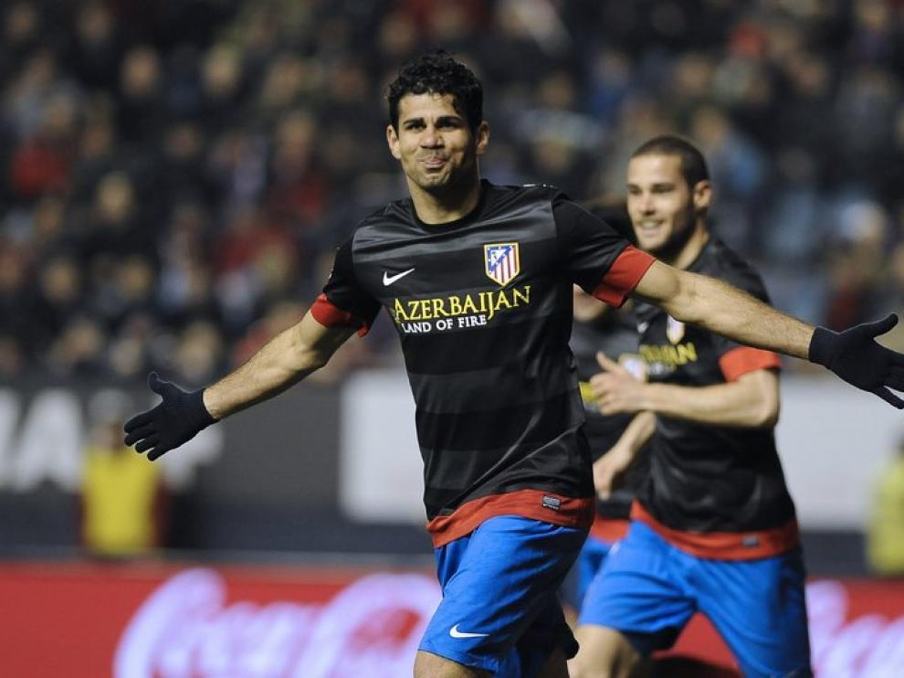 Diego Costa celebra su gol en Pamplona