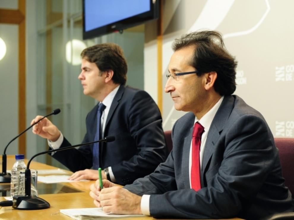 Los consejeros Roberto Bermúdez de Castro y José Luis Saz
