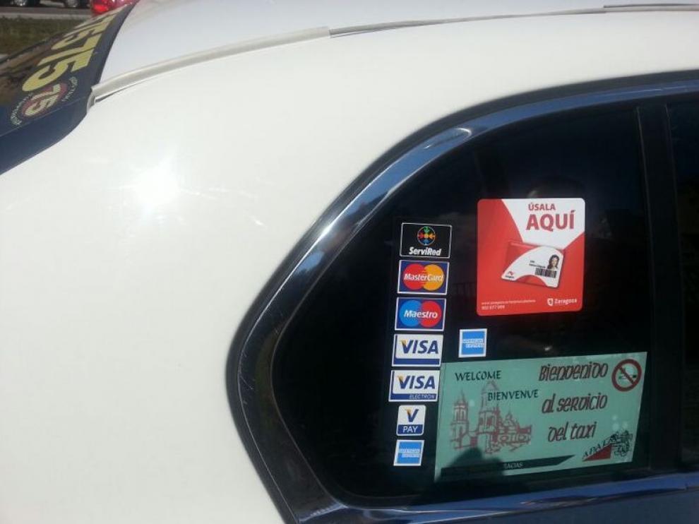 Un taxi de Zaragoza que permite pagar con tarjeta ciudadana