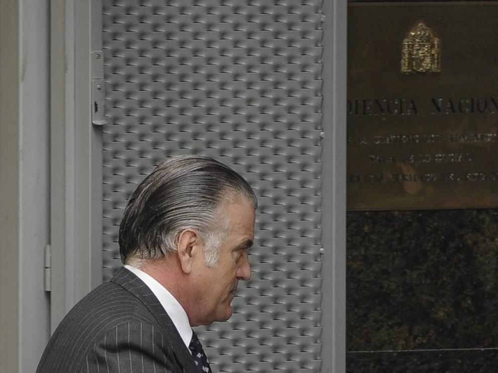 El extesorero del PP Luis Bárcenas llegando al juzgado