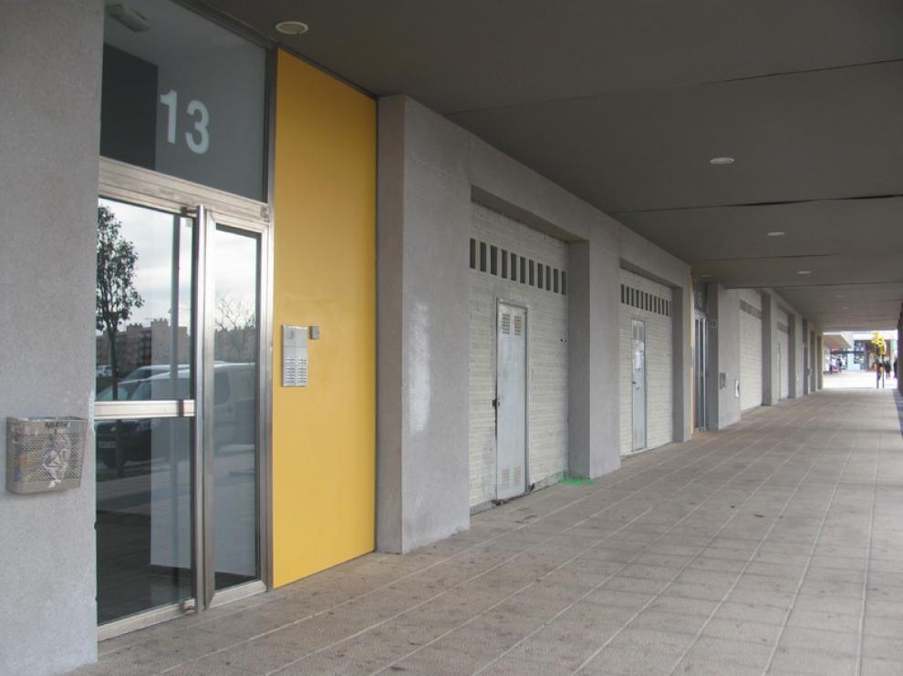 Posible local para la biblioteca de Valdespartera, en la calle de Ciudadano Kane
