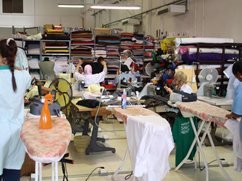 El taller 'A todo trapo', uno de los proyectos apoyados por Ibercaja