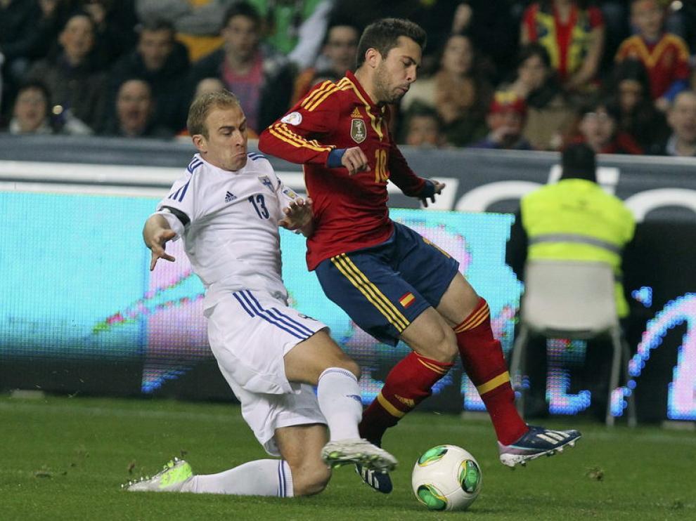 El jugador se lesionó durante el partido contra Finlandia