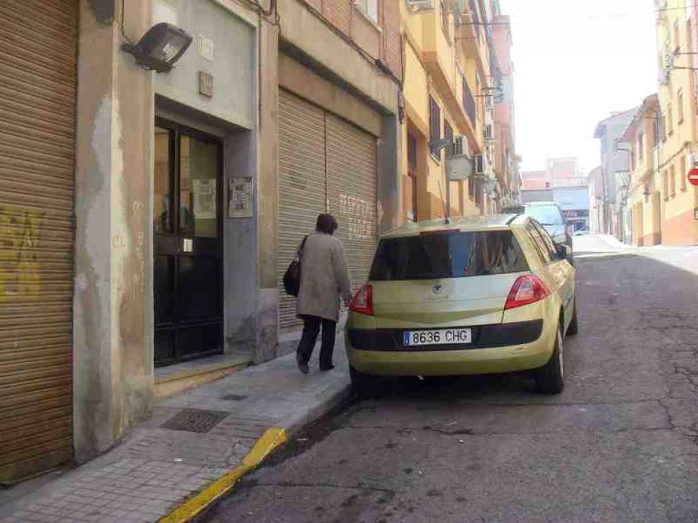 El estado general de esta calle del barrio Oliver de Zaragoza.