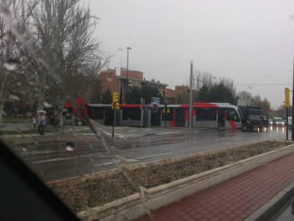 Accidente entre el tranvía y una furgoneta en el Actur