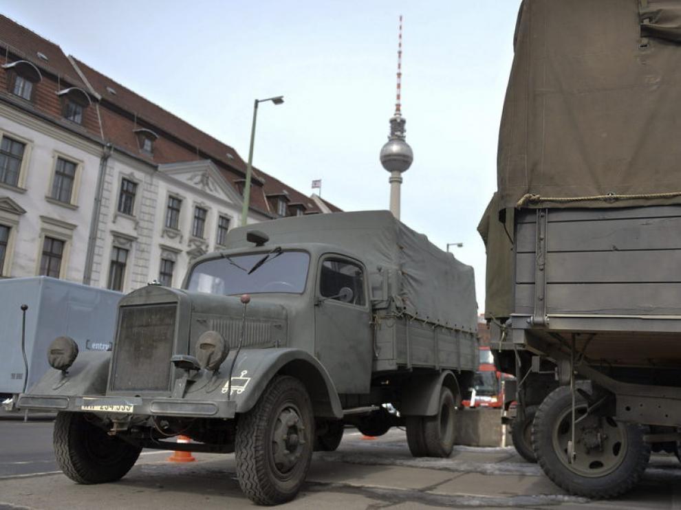 Vehículos militares de época utilizados en la nueva película de George Clooney