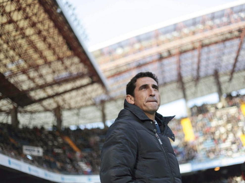 El entrenador del Real Zaragoza, Manolo Jiménez, en el estadio de Riazor