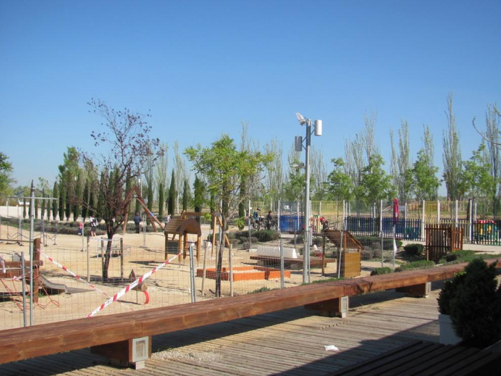 Se están dando los últimos toques a la nueva zona infantil del Parque del Agua de Zaragoza