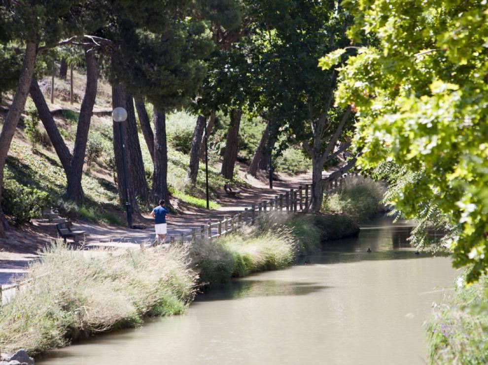 Canal Imperial a su paso por el parque