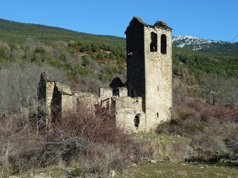 Aspecto actual de la iglesia románica de Cenarbe
