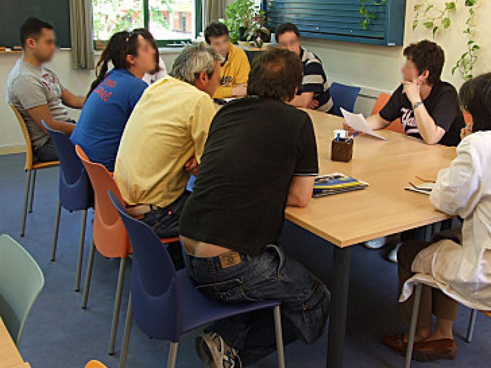 Una de las asambleas en la Comunidad Terapéutico de El Frago