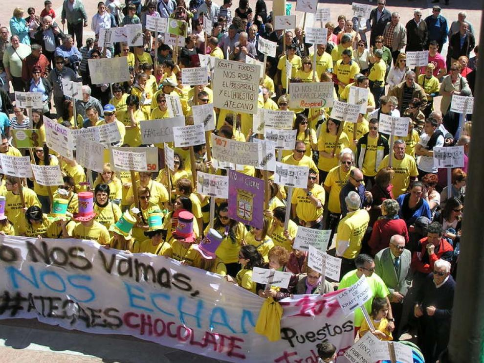 Protesta en contra del cierre de la fábrica de Huesitos